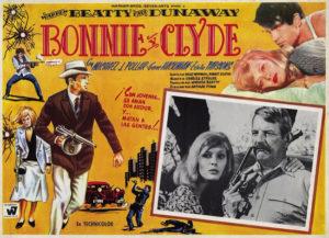 Bonnie and Clyde Etats-Unis, les années 1930. C'est la Grande Dépression, suite au krach boursier de 1929. Un couple d'amants criminels, Bonnie Parker et Clyde Barrow, sillone le pays en braquant des banques. Bientôt, l'Amérique ne parle plus que de ces hors-la-loi inexpérimentés. Certains les admirent. D'autres sont horrifiés. Quoiqu'il en soit, poursuivis par la police, ils devront bientôt faire face à leur destin...