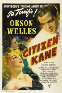 Le milliardaire Charles Foster Kane, un magnat de la presse, vient de mourir dans sa fabuleuse propriété de Xanadu en prononçant un seul mot : `Rosebud'.